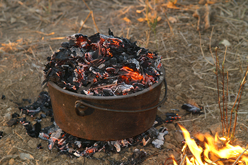 Open fire cooking with camp ovens